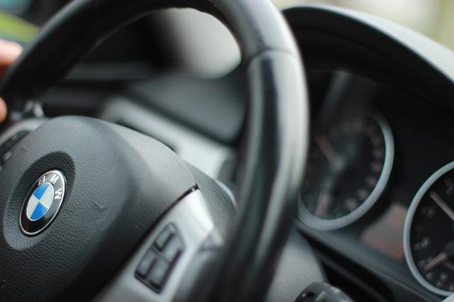 auto-999719_640